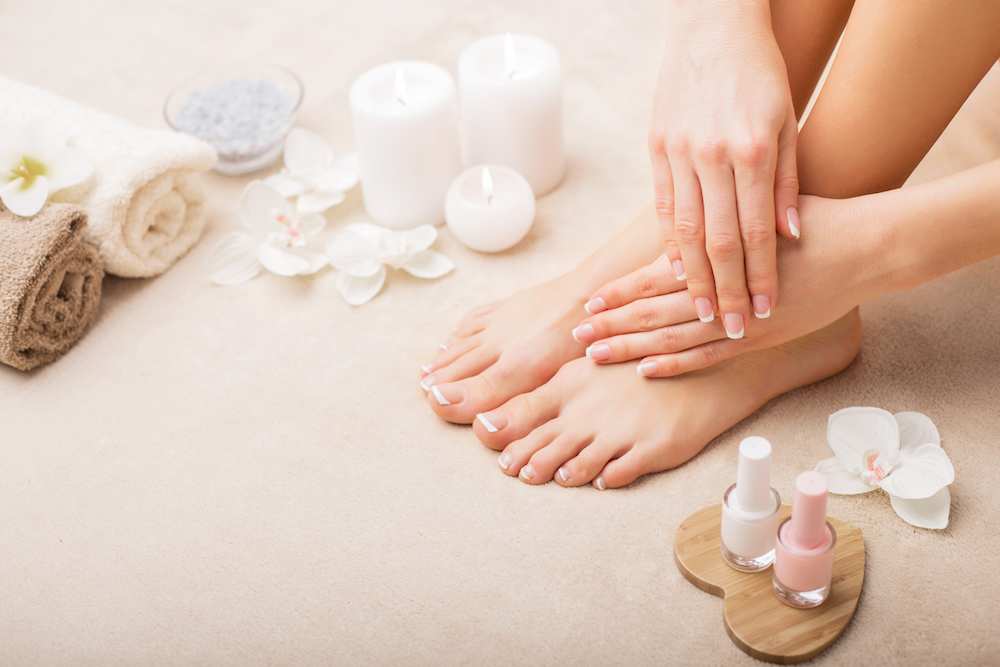 Salon Jeunesse Nederweert, Guinot gezichtsbehandeling, lichaamsbehandeling, pedicure, manicure, hotstone massage, kruidenstempelmassage, make-up, lash lifting, huidscan, huidtherapie, perfect skin, infrarood sauna, zonnebank, spray tan